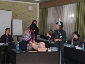 Акушер-гинекологи Кыргызстана получают знания по  улучшению оказания неотложной помощи